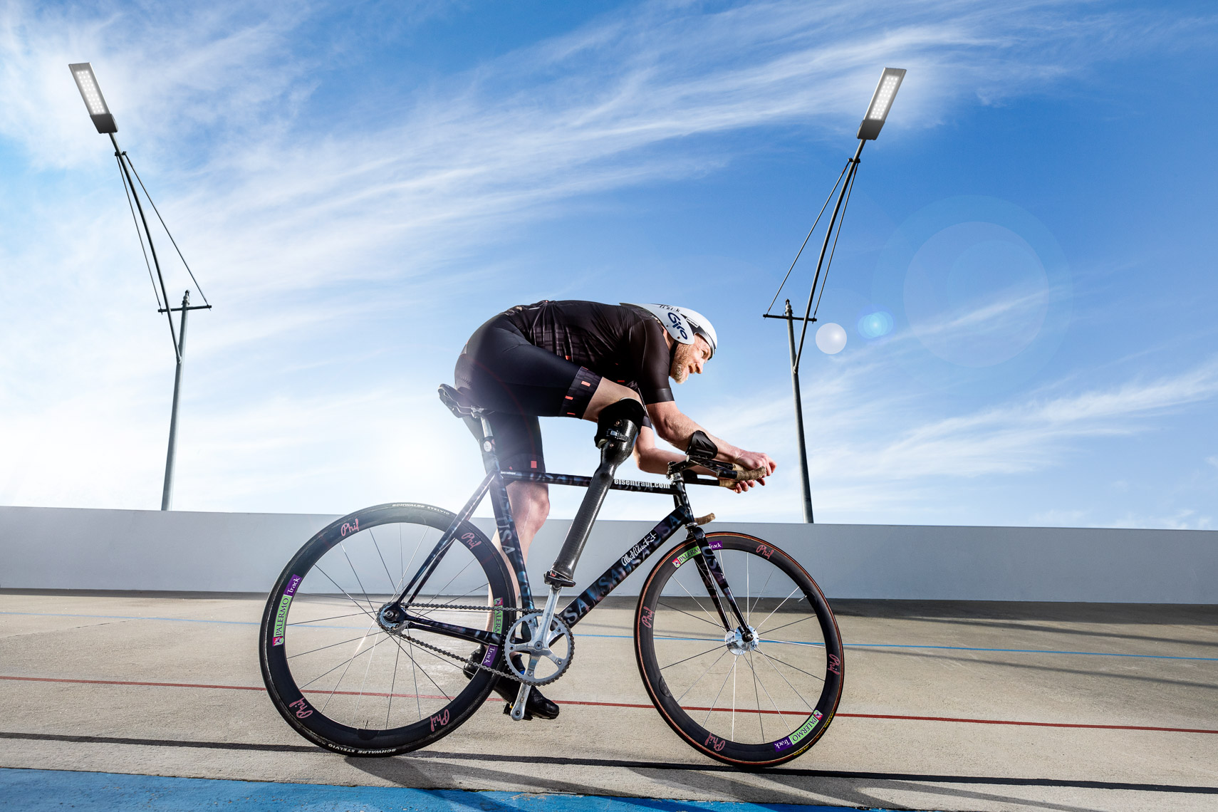 On location shoot of amputee athlete by San Francisco advertising, editorial, annual report photographer Robert Houser.